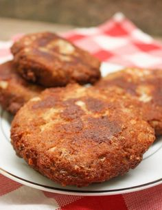 Southern Salmon Patties are an inexpensive meal and an easy recipe to make so would you believe the recipe costs less than five dollars? Plus it is quick to get on the table. This deep south salmon patty recipe is made with breadcrumbs and fries up fast. Canned Salmon Patties, Best Salmon Patties, Fried Salmon Patties, Southern Salmon Patties, Canned Salmon Recipes, Salmon Croquettes, Salmon Patties Recipe, Fish Recipes, Seafood Recipes