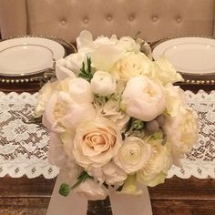 What a beautiful brides bouquet! We love  what we do, it really shows our passion for flowers. #southernblossom #charlotteflorist #charlottenc #charlottewedding #charlottebride #palisadescc