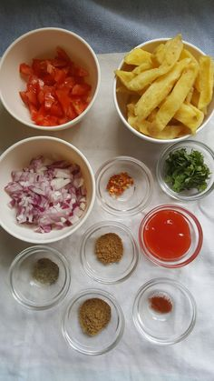 PAPRIKA CUMIN KENYAN CHIPS MASALA / Nairobi Kitchen Kenyan Recipes, Spicy Recipes, Indian Food Recipes, Baking Recipes, Masala Chips, Paprika Spice, Best Chips, Masala Recipe, Fried Onions