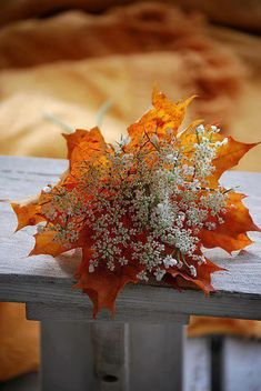 Cute idea!  Autumn bouquet.  Great for a fall wedding!