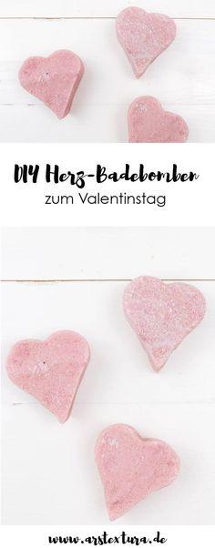 DIY Geschenk zum Valentinstag - Badebomben selber machen und als Herz formen - mit der Video-Anleitung geht's ganz einfach