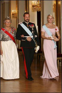 Prinsesse Astrid, fru Ferner, kronprins Haakon og kronprinsesse Mette-Marit deltok også på gallamiddagen for Brasils president 2007. Foto: Håkon Mosvold Larsen/SCANPIX Foto: