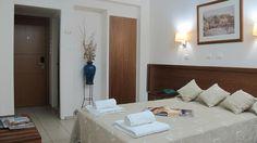 Hotel Solomou . Σολωμού 72, Αθήνα Parthenon, Floating Nightstand, Table, Furniture, Home Decor, Floating Headboard, Homemade Home Decor, Mesas, Home Furnishings