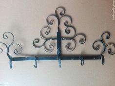 Antigua espetera en forja para colgar cazos Bathroom Hooks, Antigua, Objects
