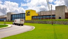 Tom Wolf powers up conveyors at opening of new Urban Outfitters facility in Gap