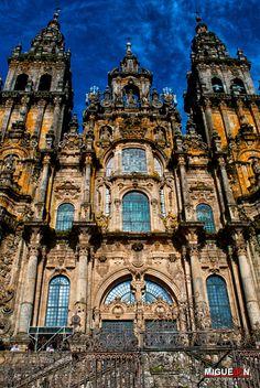 https://flic.kr/p/ePjU5w   El fin del Camino. / The end of the Road. - Santiago de Compostela   Fachada principal de la Catedral de Santiago de Compostela. (Plaza del Obradoiro). Galicia - España / Spain.