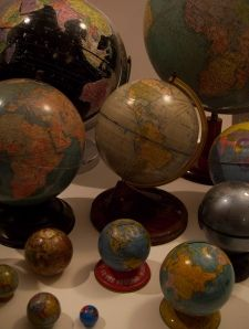 ⇚ Map Quest ⇛ maps & globes in history, art, craft & decor - Vintage World Globes