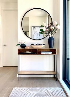 Biophilic Interior Design room-by-room: the entryway A biophilic entryway is a soothing space that greets you when you come back home, that separates yo Home Living Room, Room Design, Interior, Hall Decor, Home Decor, House Interior, Apartment Decor, Home Interior Design, Interior Design
