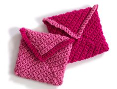 Valentine #crochet envelopes #freepattern from LionBrand.com.  Perfect for a special note to a loved one.