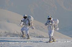 Eksi 20'de vatan savunması sayfa - 102 Turkish Military, Turkish Army, Turkey Mountain, Turkish Soldiers, The Turk, Brave Women, Military Life, Special Forces, Winter Soldier
