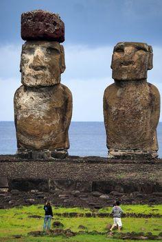 Ahu Tongariki - l'île de Pâques Ancient Aliens, Ancient Art, Chile, Easter Island, Ancient Mysteries, Ancient Architecture, Photos, Pictures, Wonders Of The World