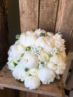 White peony bridal bouquet - All About Calla Lily Bridal Bouquet, Peony Bouquet Wedding, Bridal Bouquet Fall, White Wedding Bouquets, Bridal Flowers, White Peonies Bouquet, Purple Peonies, Marie, Peony Drawing