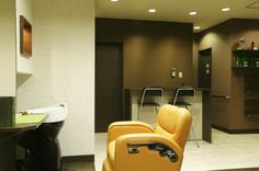 Beauty salon interior design ideas |  + chairs + mirrors + space + decor + Japan + designs  + orange | Follow us on https://www.facebook.com/TracksGroup <<<【MANO ∞ HINATA セットエリア】 美容室 内装