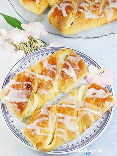 Drożdżówki z serem. Yeast buns with cheese. Polish Recipes, Polish Food, Recipies, Sweets, Cheese, Baking, Ethnic Recipes, Easy, Ukrainian Recipes