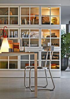 Libreria moderna a vetrina - PIROSCAFO by Aldo Rossi & Luca Meda - Molteni & C