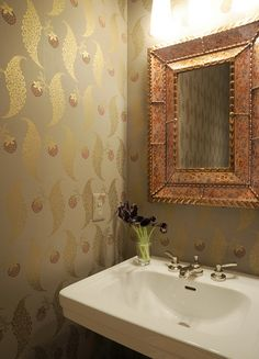 Powder room, Farrow & Ball's Rosslyn papers by bossycolor, via Flickr