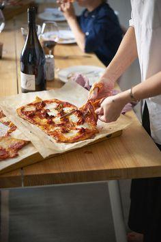 Joonas Laurilan nopea ja rapea pizza Food N, Food And Drink, Salty Foods, Savoury Baking, Cook At Home, I Love Food, Food Hacks, Food Inspiration, Food To Make