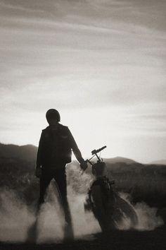 motorcycle sunset, chopper sunset, black and white motorcycle, moto photo blog