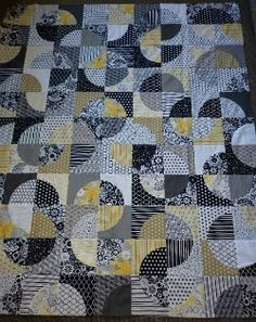 """Drunkards path circle quilt top made using Elisa's Backporch 7"""" crazy curved templates."""