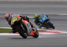 From Vroom Mag... Alvaro Bautista takes superb seventh in the wet at Sepang