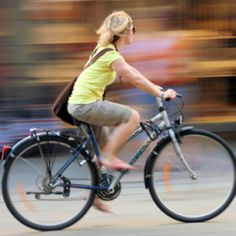 Girl in motion Sales Strategy, Bicycle Women, Working Moms, Buildings, Wheels, Blog, Inspiration, Google, Cars