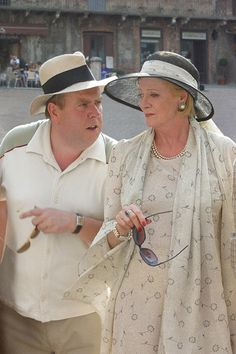 """Maggie Smith and Timothy Spall, """"My House In Umbria"""", English Actresses, British Actresses, Actors & Actresses, William Trevor, Companion Of Honour, Jolie Pitt, Angela Lansbury, Maggie Smith, Judi Dench"""