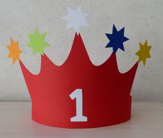 Crown birthday The Effective Pictures We Offer You About Algemeen knutselen A quality picture c. Fun Crafts, Crafts For Kids, Arts And Crafts, Summer Fest, Birthday Charts, Christmas Decorations For Kids, Easy Knitting, Diy Party, Baby Shower Themes