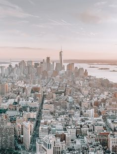 If you can make it in New York, you can make it anywhere. New York City vibes to share. A traveller's story in New York City City Vibe, City That Never Sleeps, Romantic Vacations, Canada Travel, Weekend Getaways, Where To Go, Travel Photos, Places To See, New York Skyline