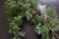 A ribbon is the perfect solution to concealing those bare spots in your Christmas tree while also adding a touch of color and texture. Christmas Tree Decorations Ribbon, Unique Christmas Trees, Alternative Christmas Tree, Christmas Wreaths, Holiday Ornaments, Holiday Ideas, Christmas Ideas, Gold Christmas, Christmas 2019