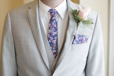 Floral Grooms Tie - Sheboygan Town & Country Golf Club Wedding - Wisconsin Wedding