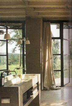 702 Hollywood: Bathroom Design
