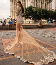 Albina Dyla 📍Based in Kosovo 🌍Free worldwide shipping 📞For orders: Bad Dresses, Prom Party Dresses, Occasion Dresses, Formal Dresses, Filipiniana Dress, Crazy Outfits, Luxury Dress, Stunning Dresses, Dream Dress