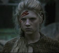 pretty sure I was this woman in a past life...Lagertha Lothbrok. She has some kickass hair in this show.