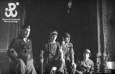 Eugeniusz Haneman: Grupa powstańców w Kościele Św. Krzyża, ok. 25 sierpnia 1944