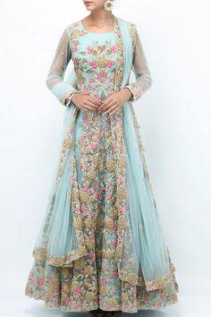 never seen such an elengant anarkali Indian Fashion Dress ( Indian Fashion Dresses, Indian Gowns Dresses, Pakistani Bridal Dresses, Indian Outfits, Red Lehenga, Anarkali Dress, Lehenga Choli, Sabyasachi, Saree