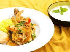 Chicken tikka masala   Recept från Köket.se K Food, Indian Food Recipes, Ethnic Recipes, Samosas, Chicken Tikka Masala, Swedish Recipes, Frisk, Garam Masala, Thai Red Curry