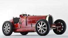 Bugatti type 51 Grand Prix on hd wallpapers from http://www.hotszots.eu/Bugatti/WallpaperBackgroundsBugatti5.htm