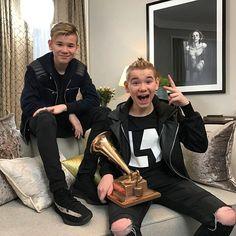 @marcusandmartinus stikker av med prisen og trofeet for ÅRETS SPELLEMANN ⭐️⭐️ Gutta feirer i Finland og vi sender et tonn med gratulasjoner.