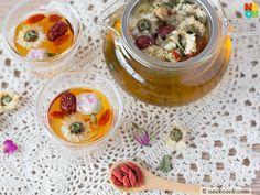 Eight Treasures Tea (Ba Bao Cha) consists of : Jasmine Tea Leaves, Chrysanthemum, Red Dates, Ginseng, Wolfberries, Longan, Rose Buds and Rock Sugar.