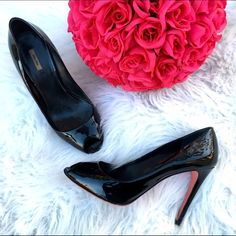 Miu mini black patent peep toe pumps The perfect go to black patent leather pumps by Miu Miu. Super classic and timeless with an extra pop of girly with the pink bottoms! Miu Miu Shoes Heels