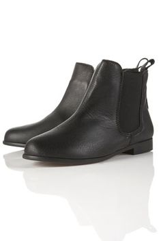 my current new shoe obsession is chelsea boots. literally they go with everything except i hate them with jeans.. but i don't really wear pants anyway.