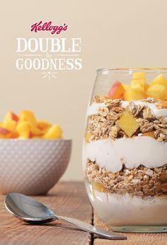 SPECIAL K® LOW FAT GRANOLA PEACHES AND CREAM SMOOTHIE PARFAITS_______________________________ Special K® Low Fat Granola  + Greek yogurt + banana + honey + vanilla extract + peaches Yogurt Parfait, Greek Yogurt, Peaches, Granola, Delicious Desserts, Smoothie, Vanilla, Honey, Fat