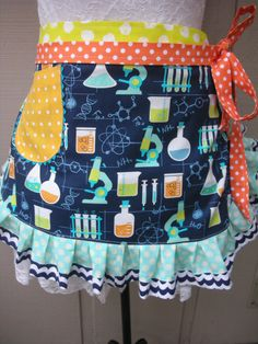 Womens Aprons Science Teachers Aprons Science Lab by AnniesAttic Teacher Apron, Vintage Apron, Half Apron, Pin Cushions, Lab, Diy Projects, Science, Etsy Shop, Sewing