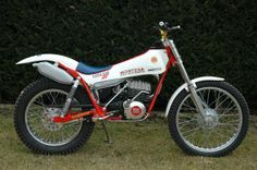 1977 Montesa Cota 348 Motos Trial, Trial Bike, Classic Bikes, Dirt Bikes, Cool Bikes, Trials, Cars And Motorcycles, Motorbikes, Jeep