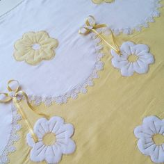 Baby Girl Quilts, Girls Quilts, Stylish Girls Photos, Sarah Kay, Cot Bedding, Bed Covers, Bed Sheets, Needlework, Diy And Crafts
