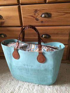 :-) Obag Brush, My Bags, Purses And Bags, Beautiful Handbags, Cloth Bags, Hobo Bag, School Bags, Fashion Bags, Clock