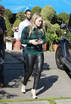 Hillary Duff ~ cute casual look