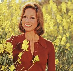 Mary Tyler Moore Show, American Actress, Actresses, Fashion, Female Actresses, Moda, Fashion Styles, Fashion Illustrations