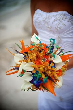 If you're taking your nuptials somewhere tropical this summer, the bird of paradise is the perfect flower to incorporate those laid-back, beachy vibes into your bouquet.