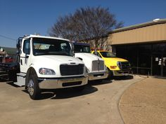 AAA Towing DFW prides itself if offering top of the line towing, wrecking and mechanical services with supreme customer service. We make it our focus to treat our customers like our family.